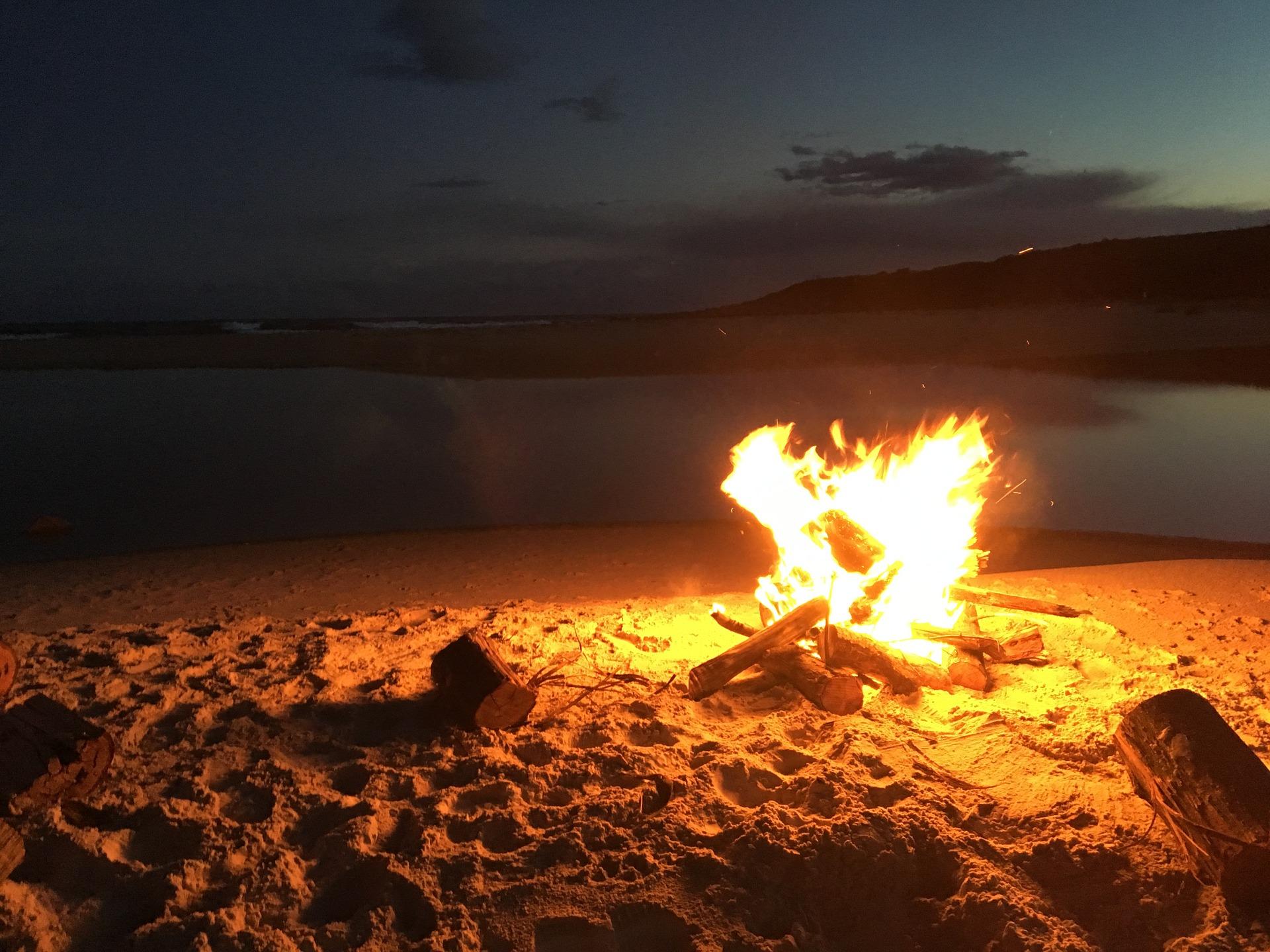 San Lorenzo e Ferragosto in spiaggia, accesso libero ma divieto di bivacco: ecco dove