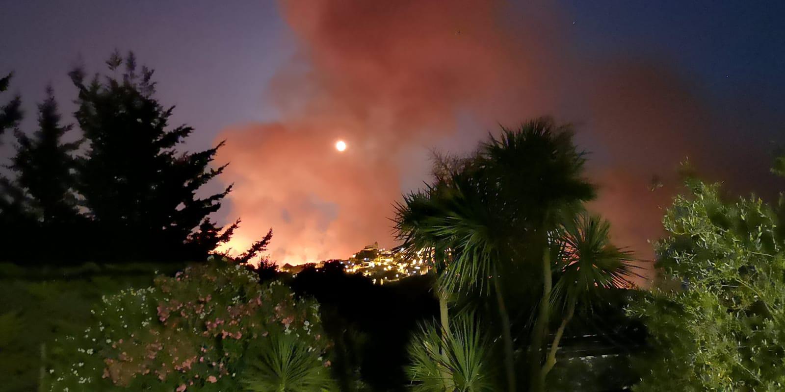 """Domenica """"di fuoco"""" nel Palermitano: attivo piano operativo di supporto"""