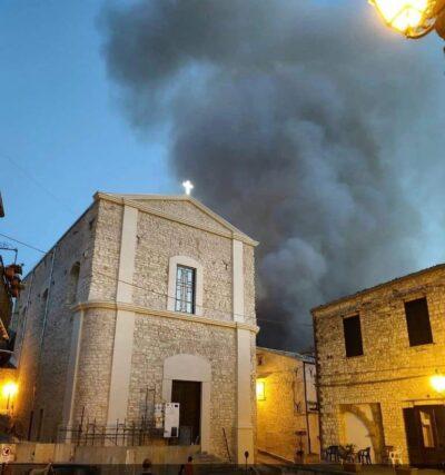 Incendi nel Palermitano: fuoco a Giuliana