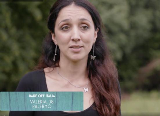 Bake Off Italia pronto a ripartire: tra i concorrenti la cantante lirica siciliana Valeria