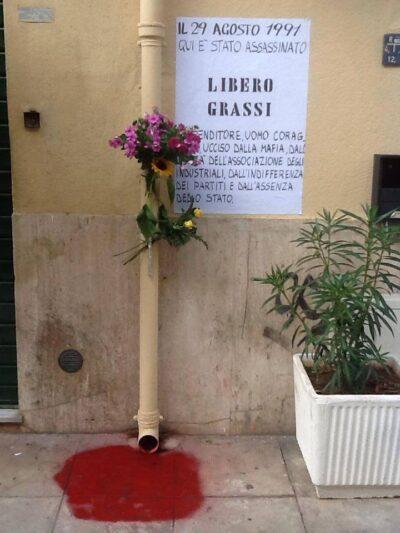 L'imprenditore tessile Libero Grassi venne ucciso dai sicari di Cosa nostra in via Vittorio Alfieri, a Palermo, il 29 agosto 1991