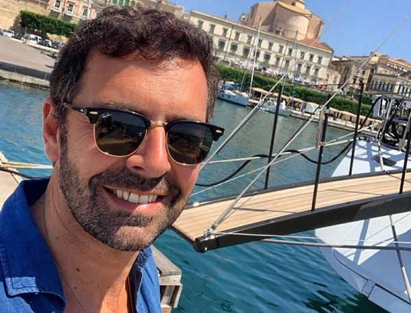 """Sicilia meta delle vacanze """"vip"""", c'è anche il giornalista Alberto Matano: tra mare e buon cibo"""