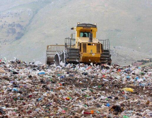 Smaltimento illecito di rifiuti, sequestrato il patrimonio dei fratelli Leonardi: 48 immobili tra Catania e Aci Castello