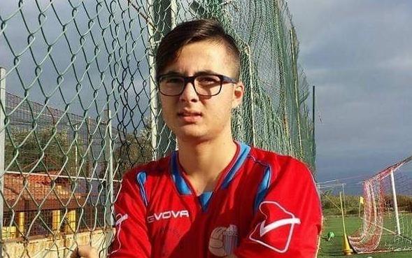 """Incidente mortale a Francavilla, dolore e disperazione per il centrocampista Gabriel Chisari. """"Adesso gioca con gli angeli"""""""