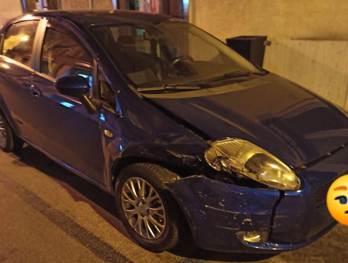 Incidente nella notte a Pachino, scontro tra due auto: giovane pachinese in gravidanza finisce in ospedale