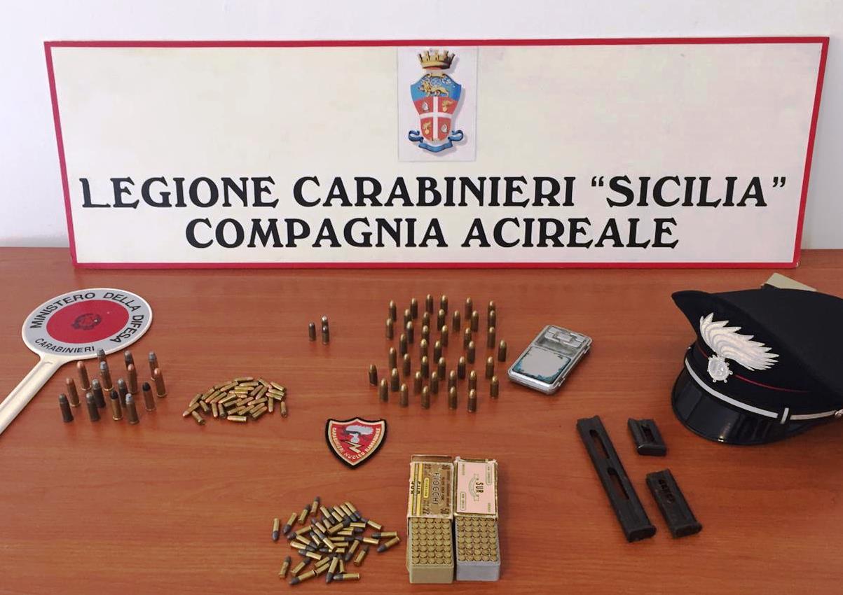 Viagrande, munizioni nascoste in casa della madre: denunciato un 55enne di Zafferana Etnea