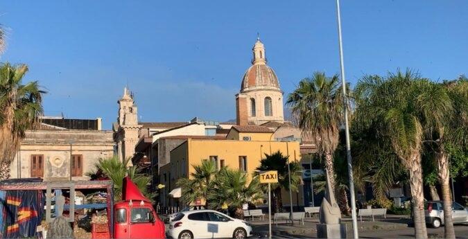 Ferragosto, nuova stretta nel Catanese: spiaggia di Riposto interdetta dalle 21 alle 6 del mattino