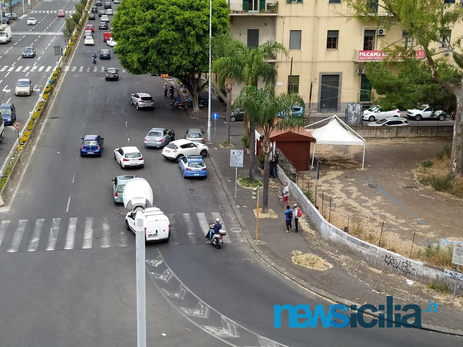 Momenti concitati a Catania, rissa tra extracomunitari in via Vincenzo Giuffrida: Volante sul posto