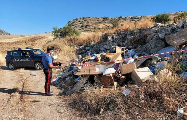 Fondo agricolo trasformato in discarica a cielo aperto nel Catanese: denunciato pregiudicato 49enne