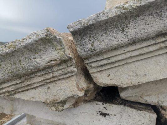 Maltempo in Sicilia: piogge temporalesche causano il crollo della cornice di una chiesa – FOTO e VIDEO