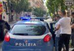 Rapine in pieno centro storico, malviventi puntavano il coltello e chiedevano soldi e cellulari: arrestati due giovani