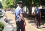Puliva parco del Catanese, malviventi gli rubano il telefono: la vittima riconosce il ladro con una fotografia
