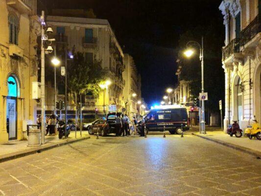 Posti di blocco e controlli, controlli in ogni angolo della movida: 13 denunce dei carabinieri