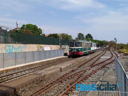 """Dimezzamento corse treni in superficie Circumetnea, Uil Trasporti Catania: """"C'è stata una carenza di programmazione"""""""