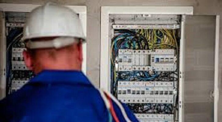 Cavi tranciati, più di 380 punti luce non funzionanti: in corso l'intervento di manutenzione