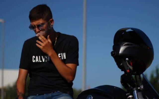 Tragico incidente in moto, l'ultimo saluto a Fabio Milazzo: tra applausi e rombi di motore