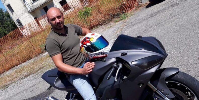 Con la moto dentro un canale: gravissimo incidente porta via Giacomo Pellicano