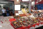 Gravi irregolarità in una pescheria, sequestrati oltre 200 chili di merce: titolare multato