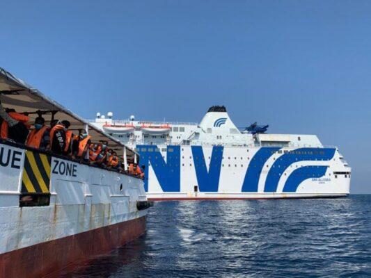 Open Arms, autorizzato il trasferimento dei migranti a bordo sulla nave quarantena Allegra