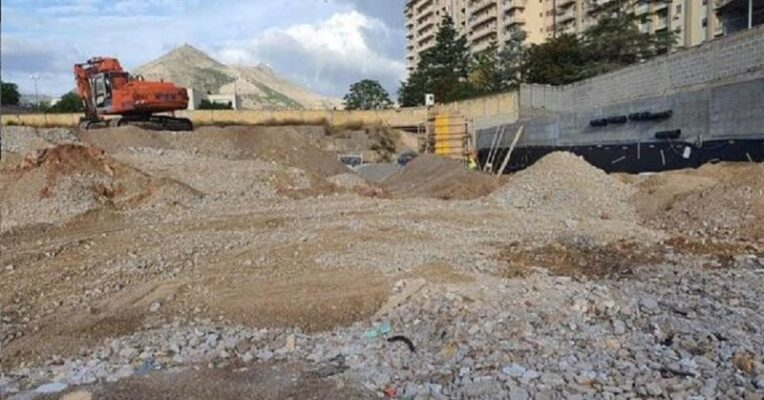 Costruivano Ipermercato senza smaltire i rifiuti speciali, segnalate 5 persone in viale Regione Siciliana