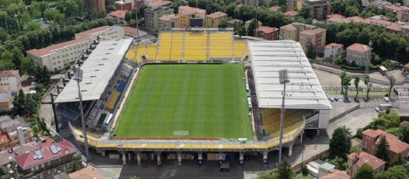 Calcio, ecco la prima squadra che tornerà a ospitare i tifosi: mille posti e regole ferree