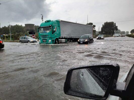 Violento nubifragio mette in ginocchio Catania e l'Hinterland: duramente colpiti il centro e i paesi Etnei – FOTO e VIDEO