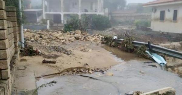 Sicilia devastata dal maltempo, nubifragi e venti forti: colpite Catania, Siracusa e Messina