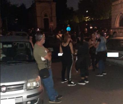 """Scene da film al cimitero di Catania, gruppo di cittadini rimangono chiusi all'interno. """"Liberati dopo 50 minuti di attesa"""""""