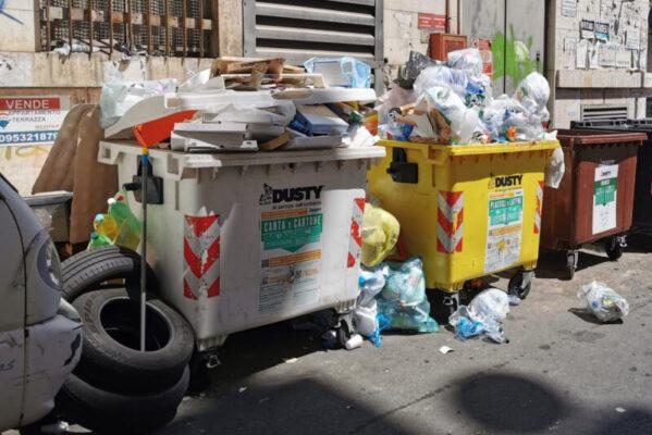 Continua l'emergenza rifiuti, il sindaco D'Anna chiede ai cittadini di produrre meno spazzatura