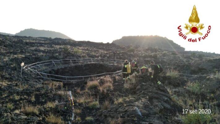 Paura sul Monte Egitto per due caprette, salvate: erano cadute in una voragine – FOTO