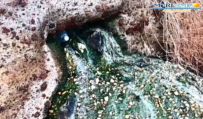 Linosa, manca il depuratore e la fogna finisce nelle acque del porticciolo turistico – FOTO e VIDEO