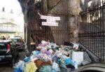 """""""Mercatino della munnizza"""" in piazza Giovanni Meli: rifiuti ingombranti, urge un intervento dell'Amministrazione"""