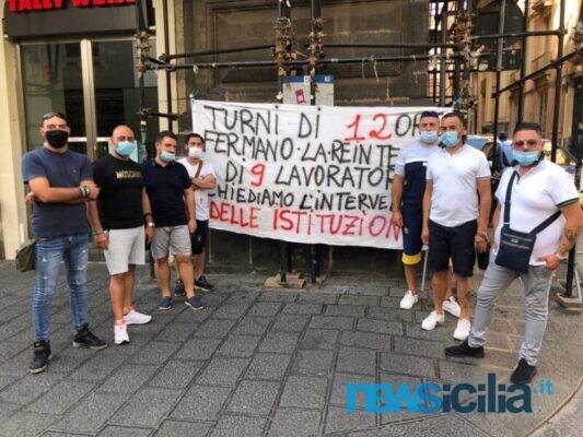 Ex autisti soccorritori catanesi ancora in protesta, questa volta in Prefettura: padri di famiglia ancora in cerca di soluzioni