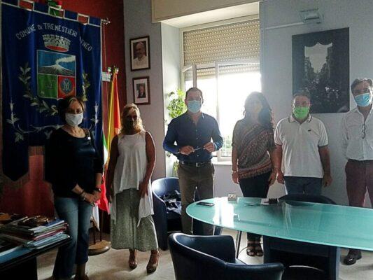 """Ritorno in classe in sicurezza a Tremestieri Etneo, il sindaco: """"Misure di distanziamento rispettate ovunque"""""""