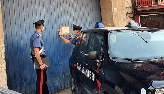 Officina per riparazione auto illegale scoperta nel Catanese: denunciato 50enne