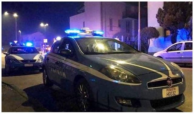 Catania, pretende di entrare in un pub e lancia bottiglia ai poliziotti: denunciato ubriaco