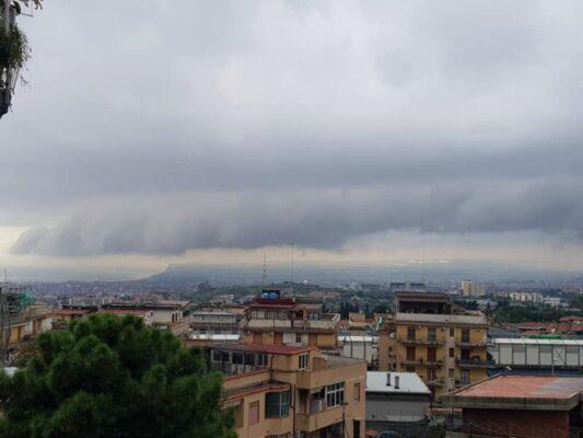 Sicilia, forte vento ed acquazzoni improvvisi: tutta colpa della Shelf Cloud