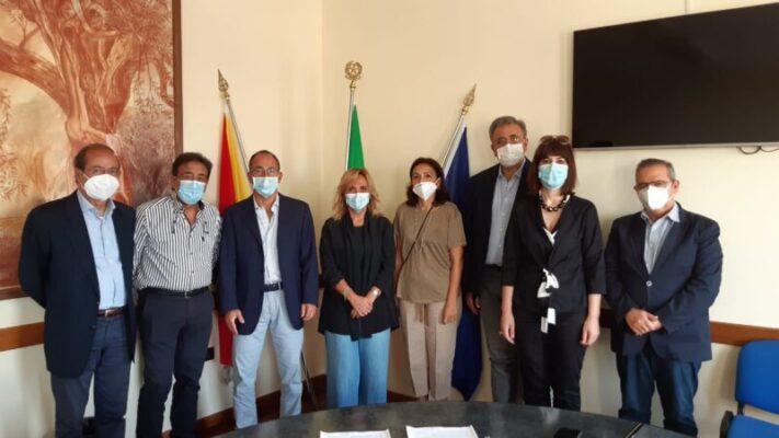 Catania, le visite specialistiche si prenotano anche in farmacia: siglato l'accordo tra Asp e Ferfarma Catania