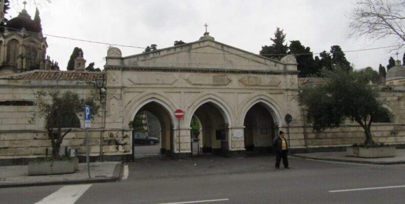 Catania, commemorazione dei defunti ai tempi del Coronavirus: ingressi per lettera iniziale del cognome
