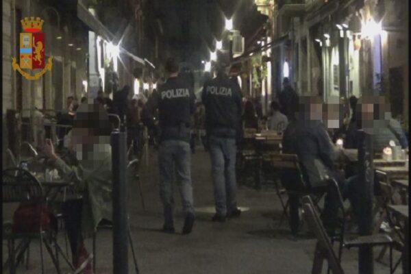 """Catania, la """"road-map"""" del questore Della Cioppa. Polizia controlla la movida: 11 sanzioni"""