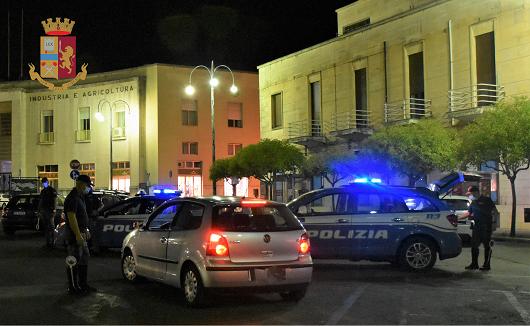 Ragusa, sottoposto ai domiciliari viene trovato sotto casa di una donna: torna in carcere