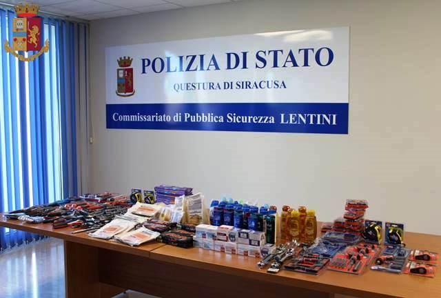In casa con Rolex, cibo e prodotti per l'igiene rubati: si aprono le porte del carcere per un romeno