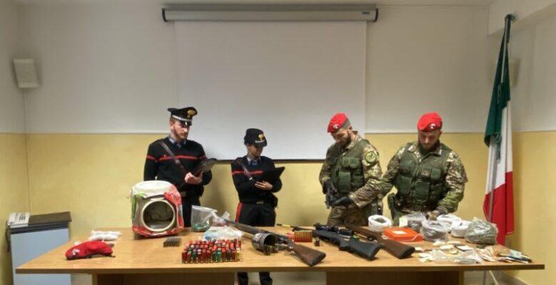 Blitz e perquisizioni, scovati ingenti quantità di droga ed esplosivi: 4 arresti