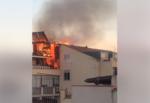 Paura in casa, mansarda viene fagocitata da un incendio: vigili del fuoco sul posto – VIDEO