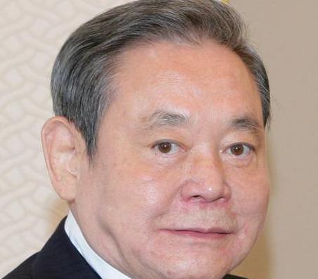 """Muore a 78 anni """"mister Samsung"""" Lee Kun-hee, era l'industriale più potente della Corea del Sud"""