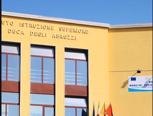 """Studente positivo all'Istituto """"Duca degli Abruzzi"""" di Catania: classe in isolamento, lezioni online"""