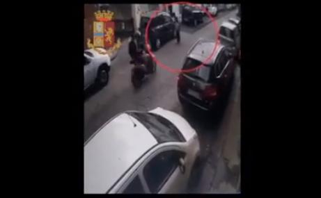 Scippano anziana a bordo di un motorino rubato in via Randazzo, in manette due giovani catanesi – VIDEO