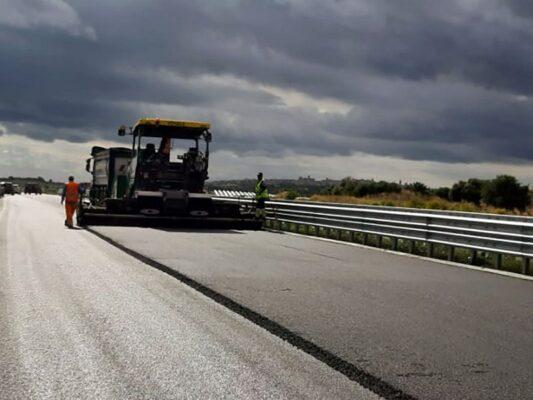 """Lavori autostrada Siracusa-Gela, sopralluogo dell'assessore Falcone: """"Quasi pronti dieci chilometri di nuova infrastruttura"""""""
