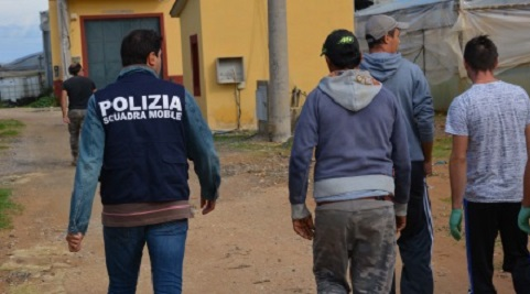 Tragedia in Sicilia, operaio muore nei campi: lavorava in nero e percepiva il Reddito di Cittadinanza