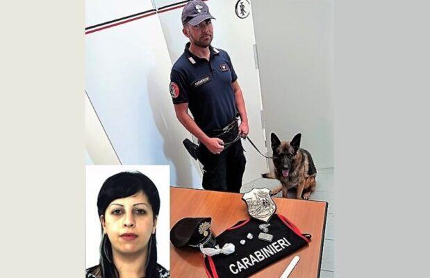 """Droga """"al sicuro"""" nascosta nei pantaloni e negli slip: donna del Catanese in manette, denunciato il convivente"""